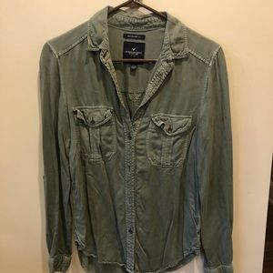 American Eagle olive Green button down
